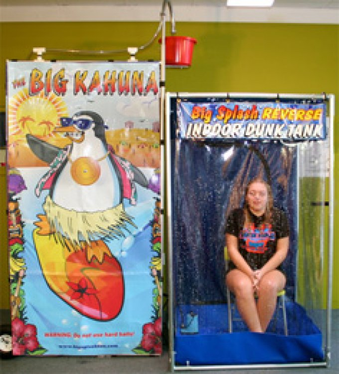 INDOOR DUNK BOOTH (BIG SPLASH)